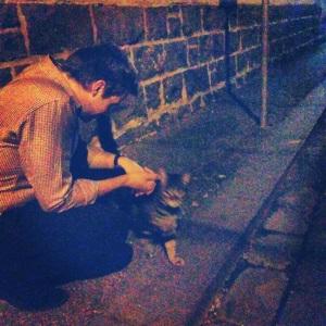 luke loves cats